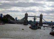 Лондонским мостом